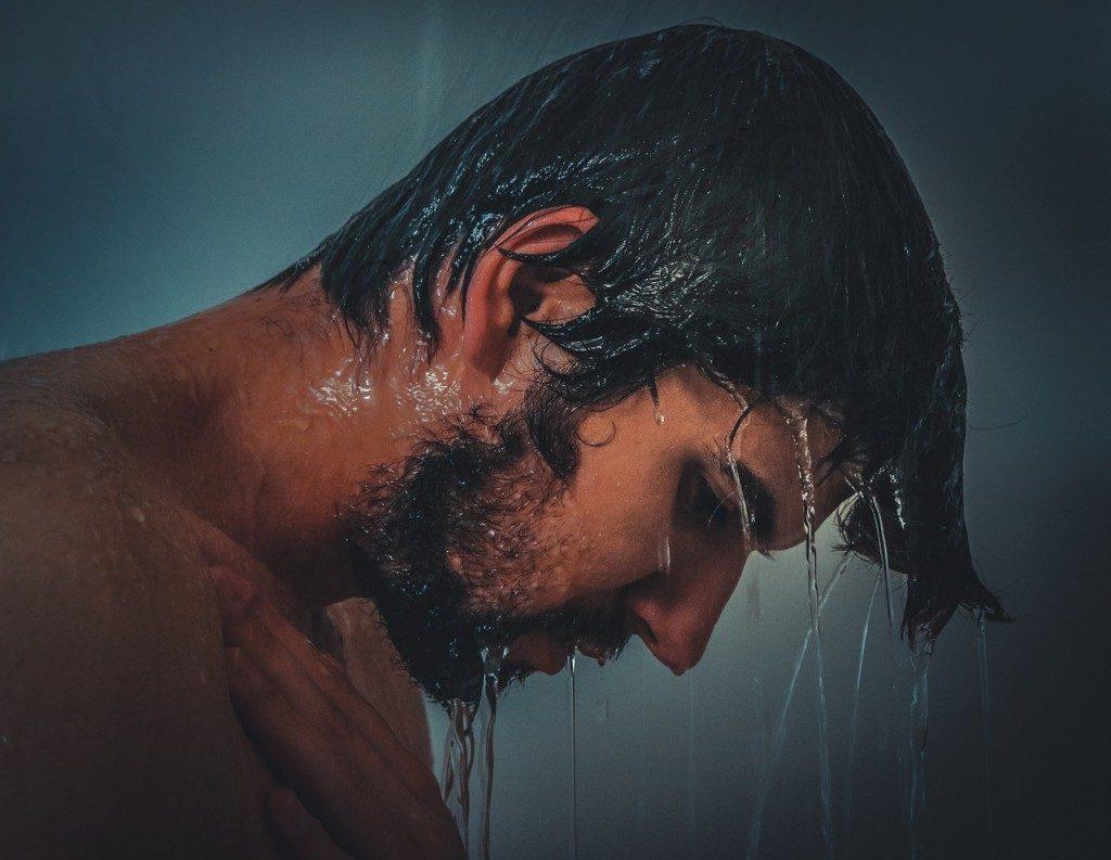 prendre soin des cheveux des hommes