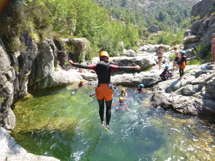 Le canyoning, la solution sportive anti canicule