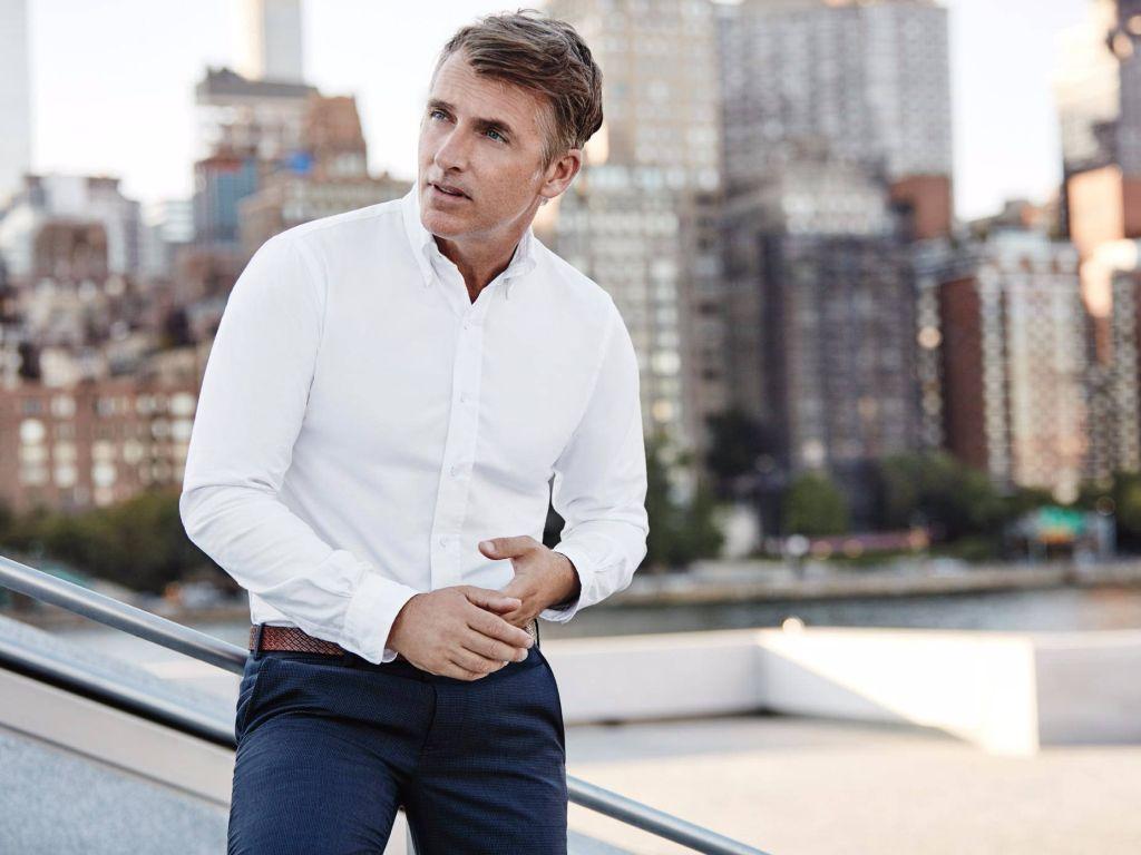 Comment porter une chemise blanche